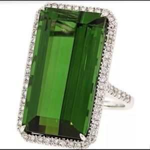 .925 Sterling Silver 20 Carat Russian Emerald Ring